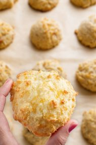 Keto Coconut Macaroons - Keto Low Carb Recipe